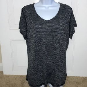 Athletic Works Women's XXL short sleeve shirt